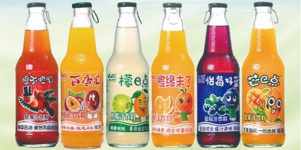 地摊经济助力品世果汁饮料火爆销售